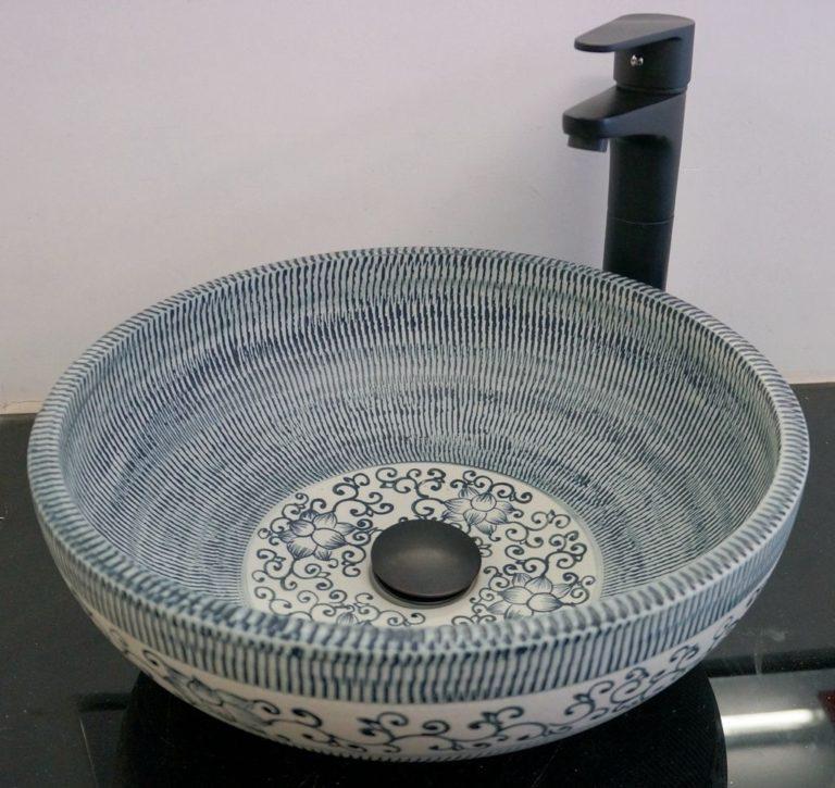 Keramické umývadlo - ebay.com / Vintage Bathroom Ceramic Sink